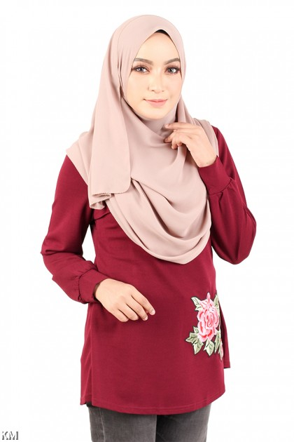 Accented Rose Embroidery Top [M12327]