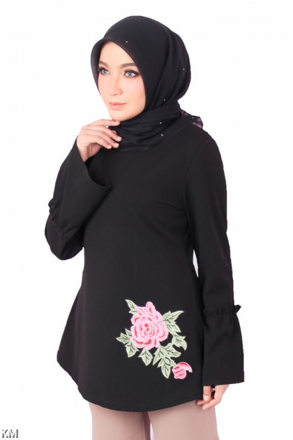 Flounce Accented Rose Embroidery Top [M15993]